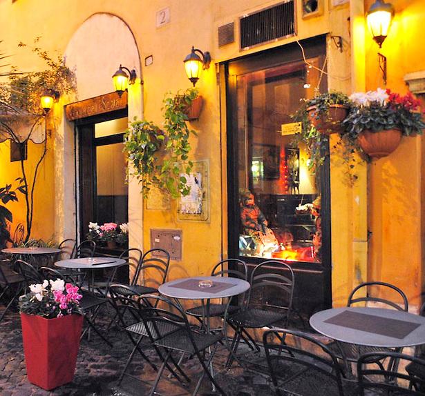 A-roadside-cafe-in-Trastevere-Rome